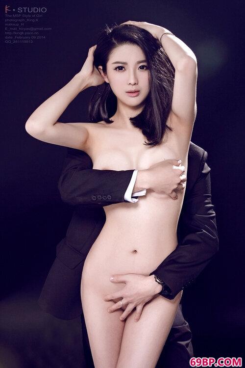 靓女嫩模与男友的亲密写真_西西人体打底裤