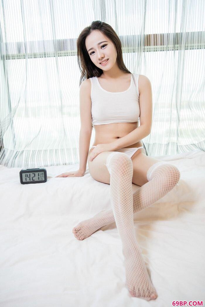性感嘉茵修长美腿翘巨臀大玩泡泡浴_西西人体yin62.xyz