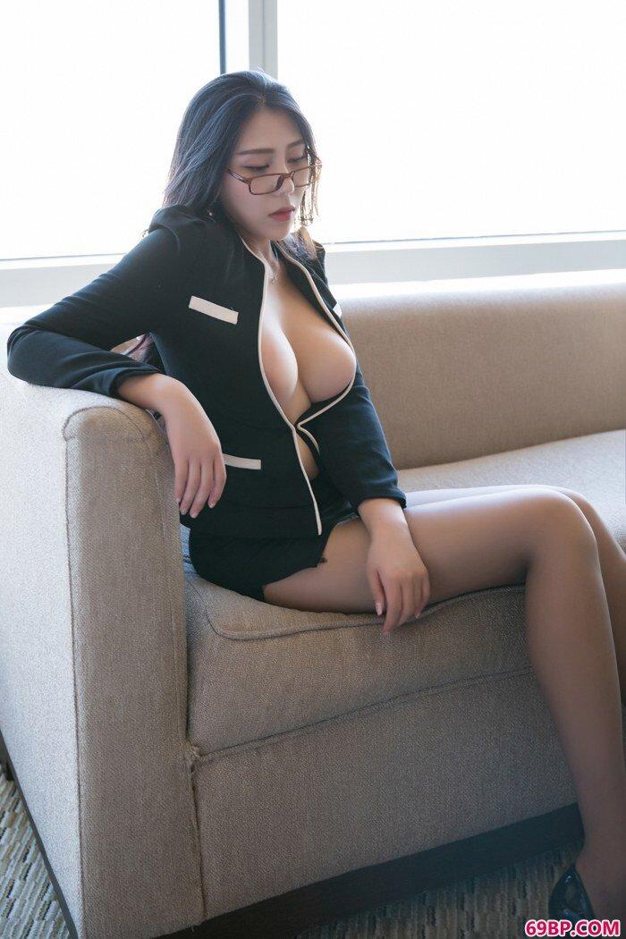 女神OL安可儿下班后欲望难耐搔首弄姿_西西人体图片rt44net