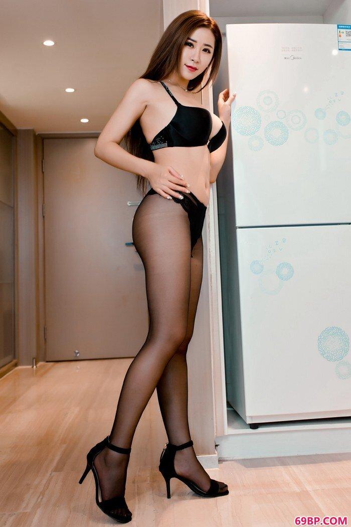 古典美女雪儿透视旗袍尽显丰乳翘臀_上一篇150P嫩