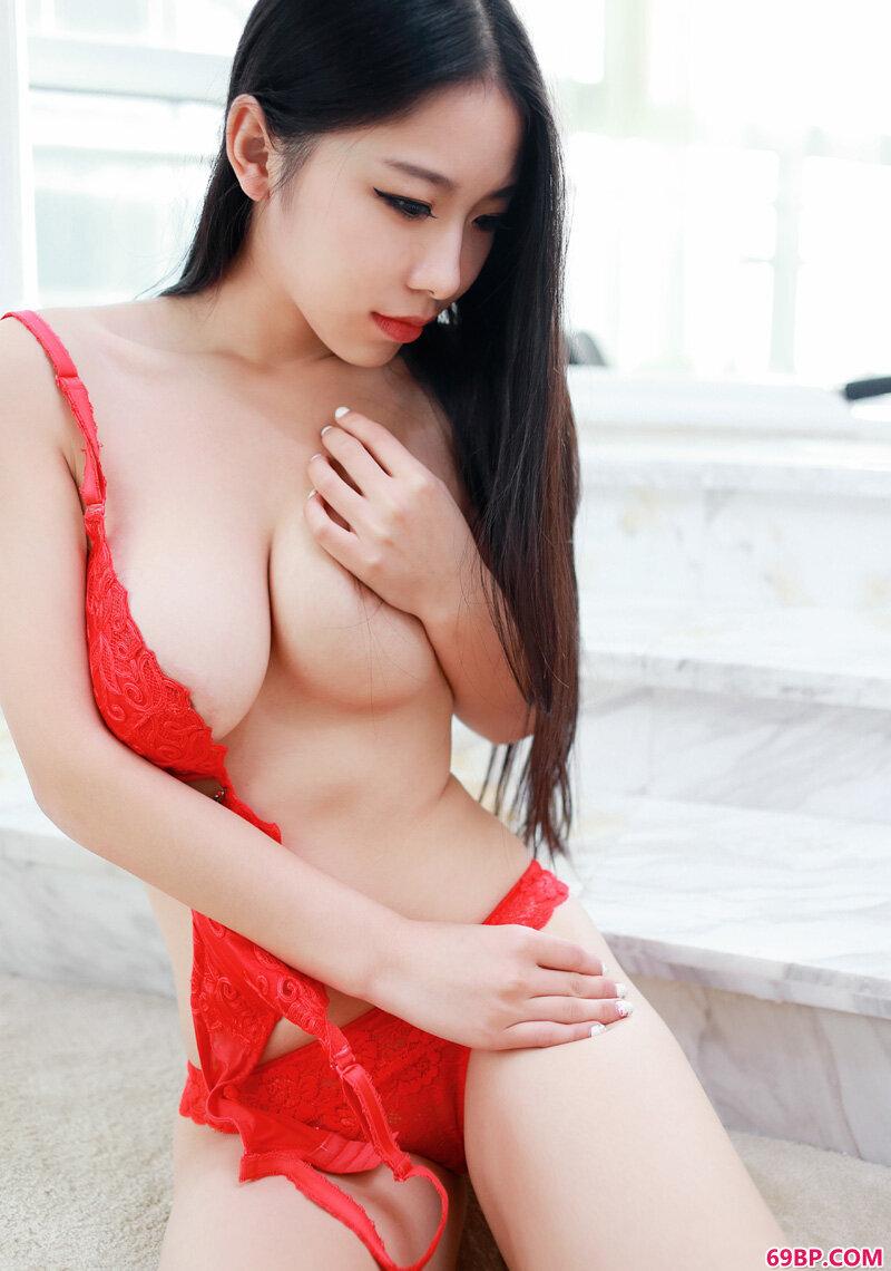 美丽美娇娘芒果小姐美胸白皙勾人_西西人体免费视频体验