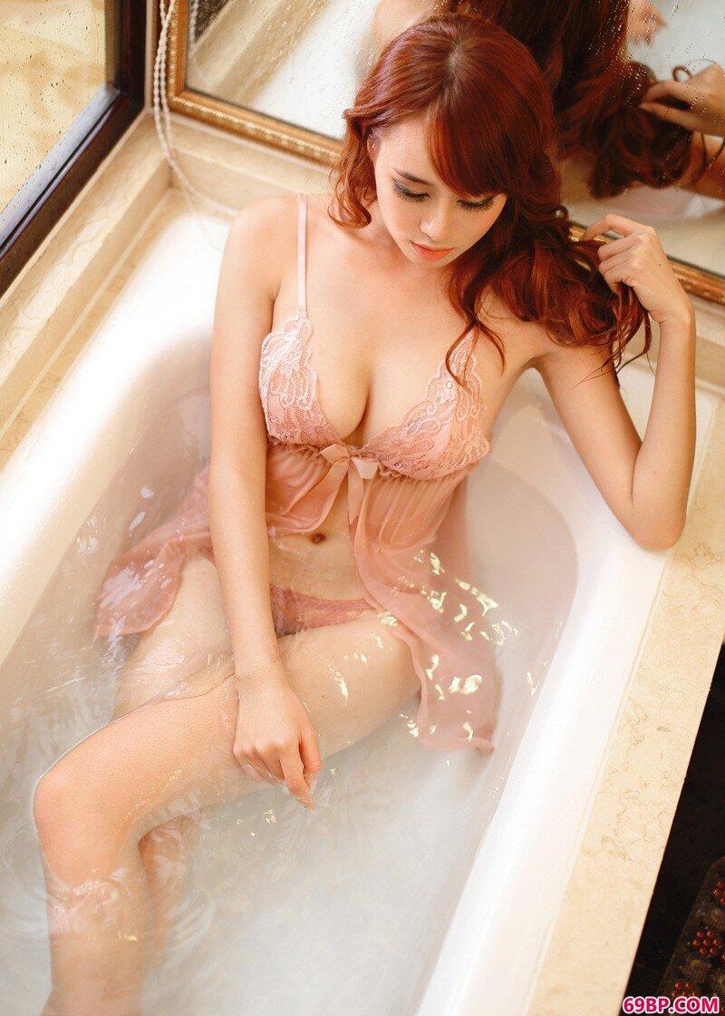 美丽都市女孩黄婧私密照_最大胆裸体人体牲交