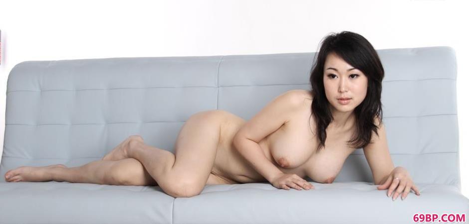 沙发上的sulei1_上海美女大战洋20厘米洋外教
