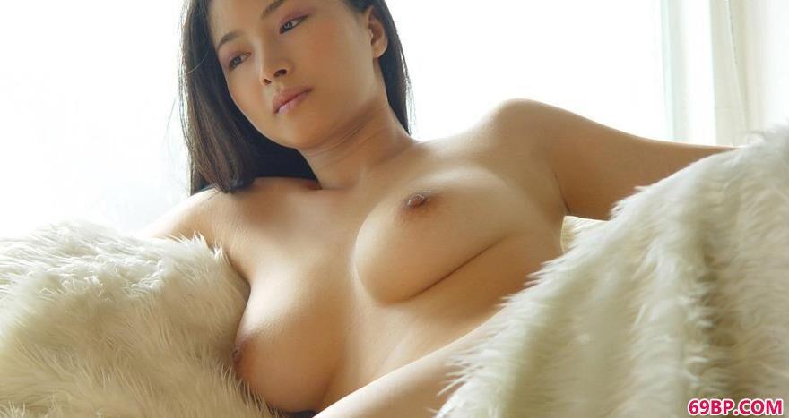 日本裸体棚拍_居家天使嫩模家丽1