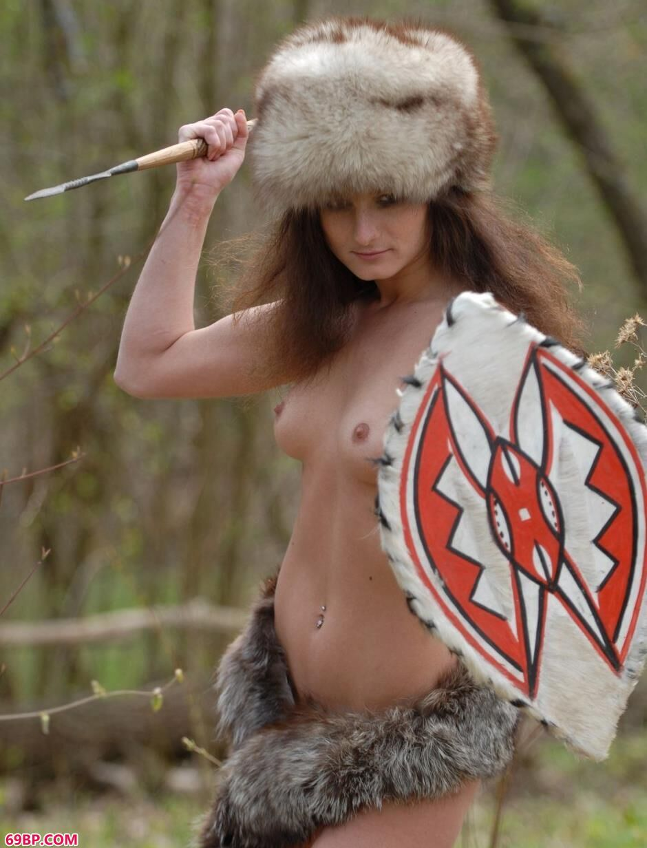 超模Marusya树林里的野人美体,gogo泰国人体大胆高清啪啪