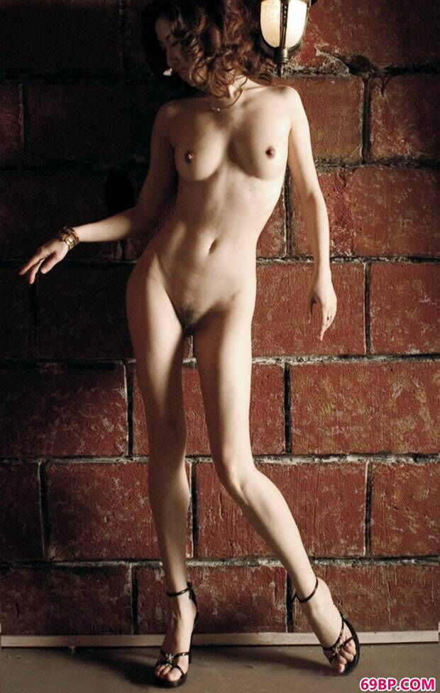 名模汤加丽摄影照片套图之《裸舞》,太国人体艺术图片