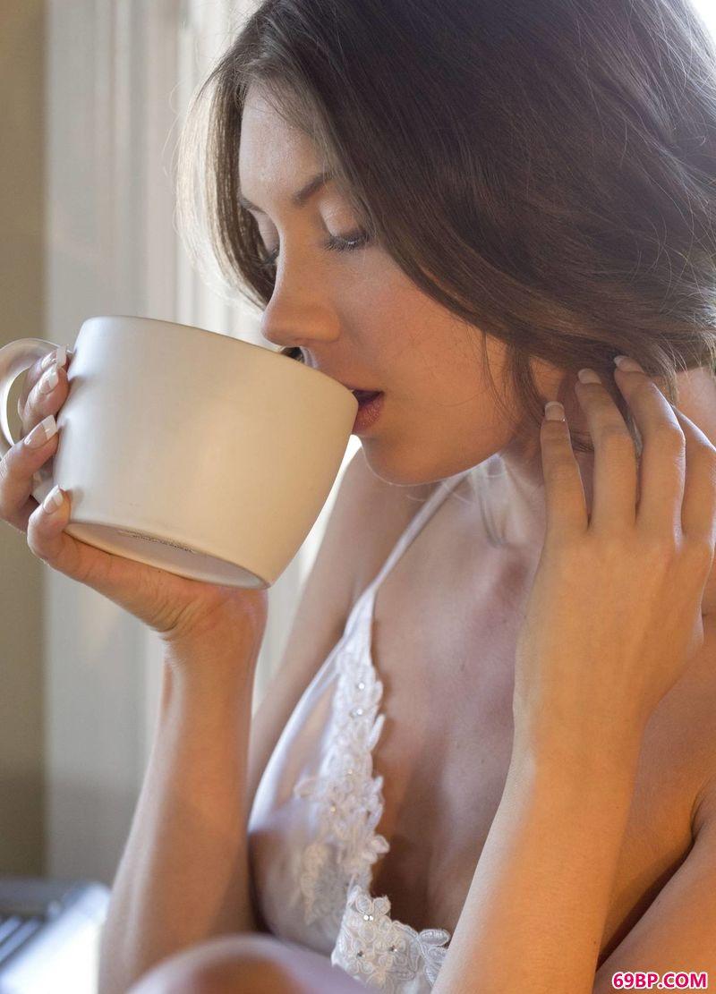 咖啡与御姐Elena