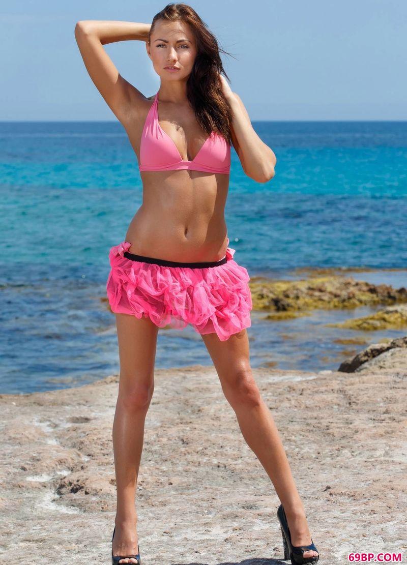 随海风飘扬的人体裸模Michaela