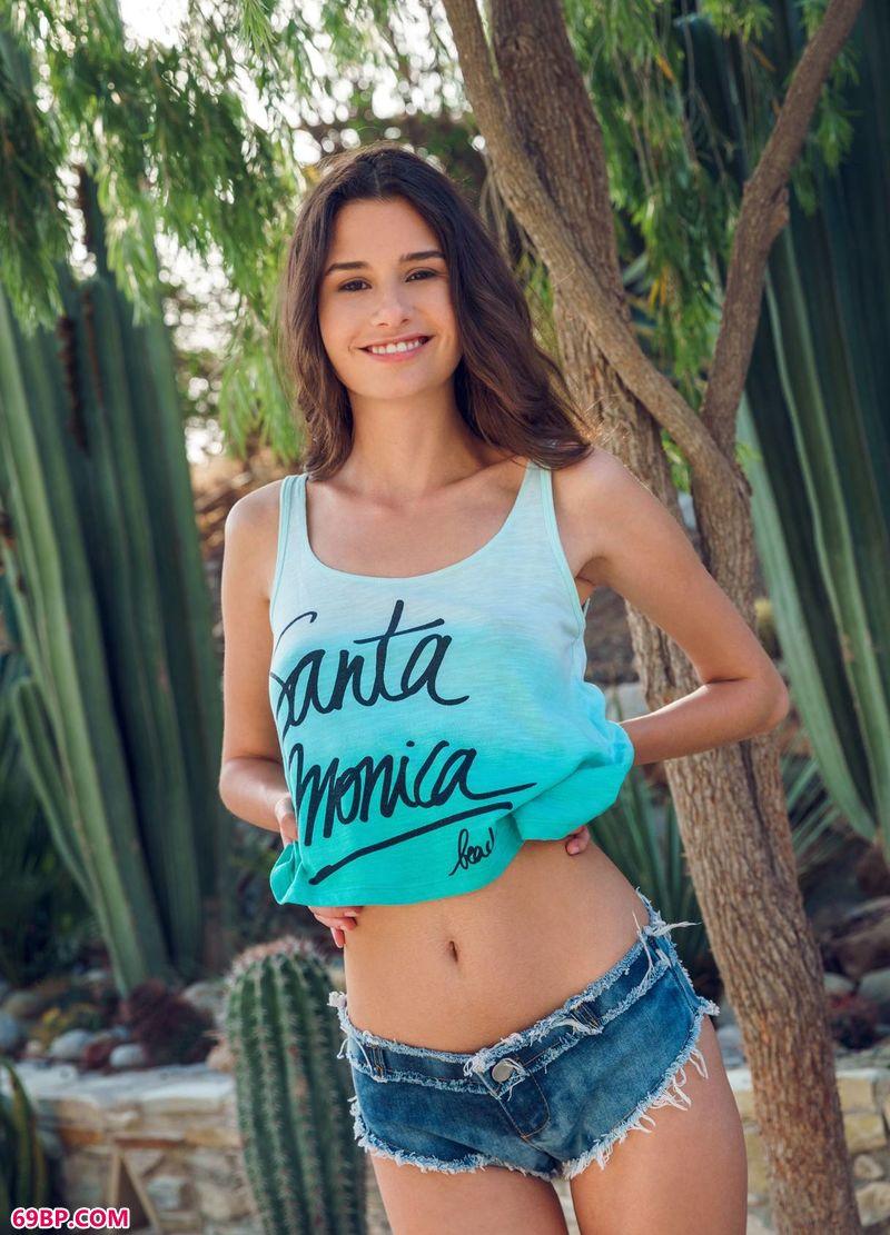 热带雨林名模Cristin,爱尤物美眉人体艺术图片